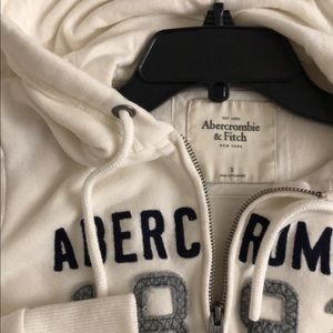 abercrombie and fitch hoodie 😍